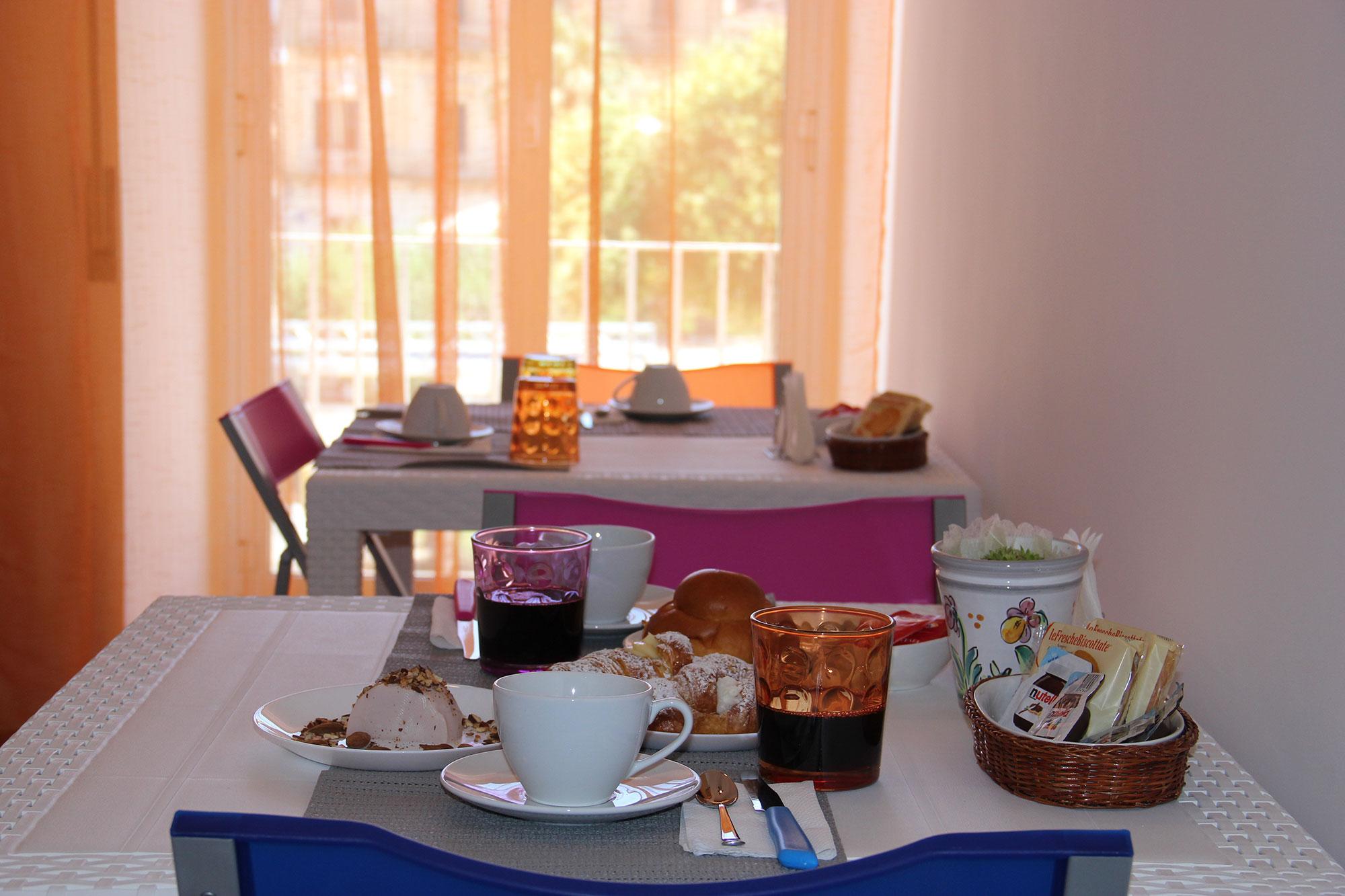 Colazione_Hotel_Sicilia_Avola_B&B_Avola_Albergo_Sicilia_Piazza_centro_mare_