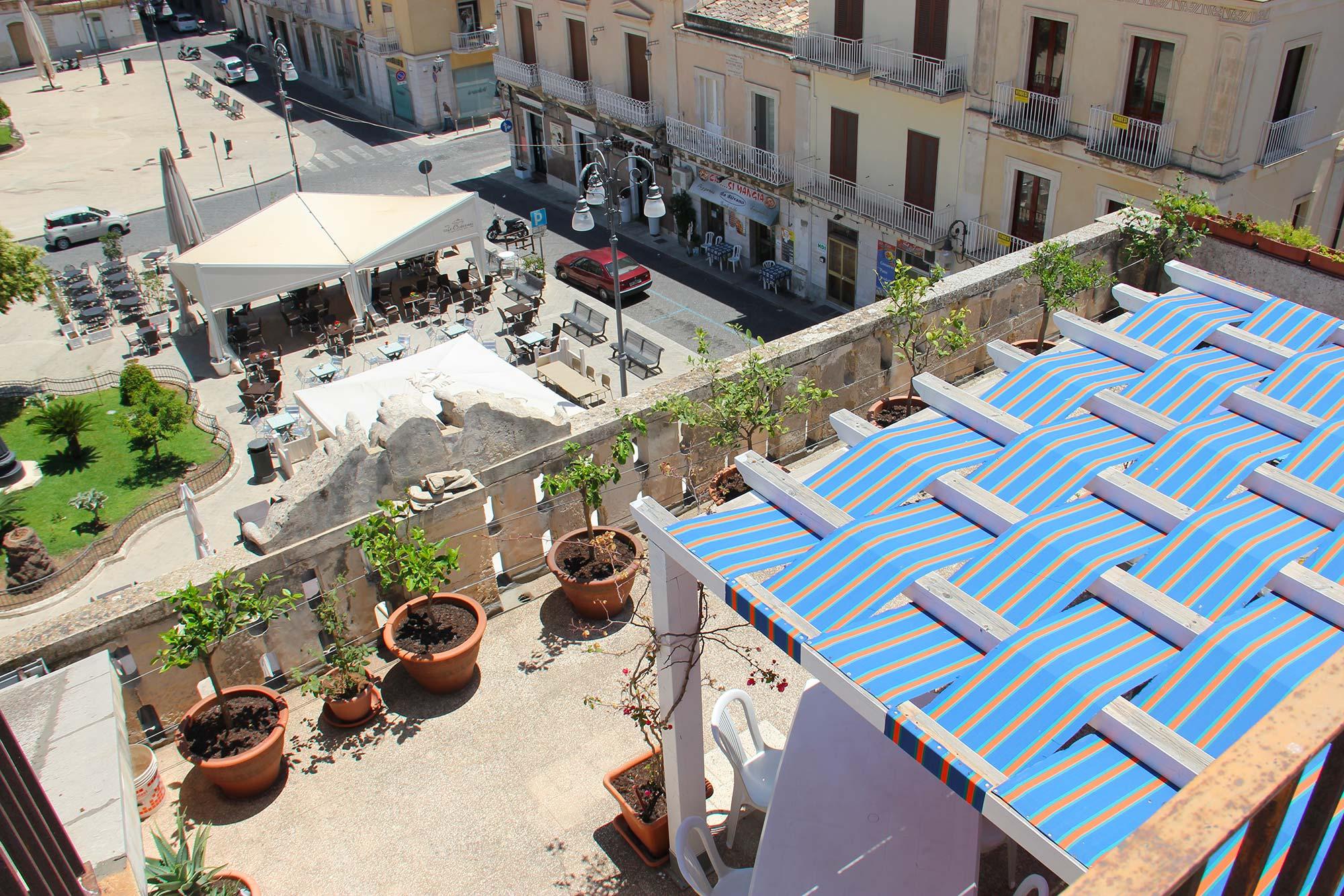 Hotel_Sicilia_Avola_B&B_Avola_Albergo_Sicilia_Piazza_centro_mare_Piazza_terrazza_2