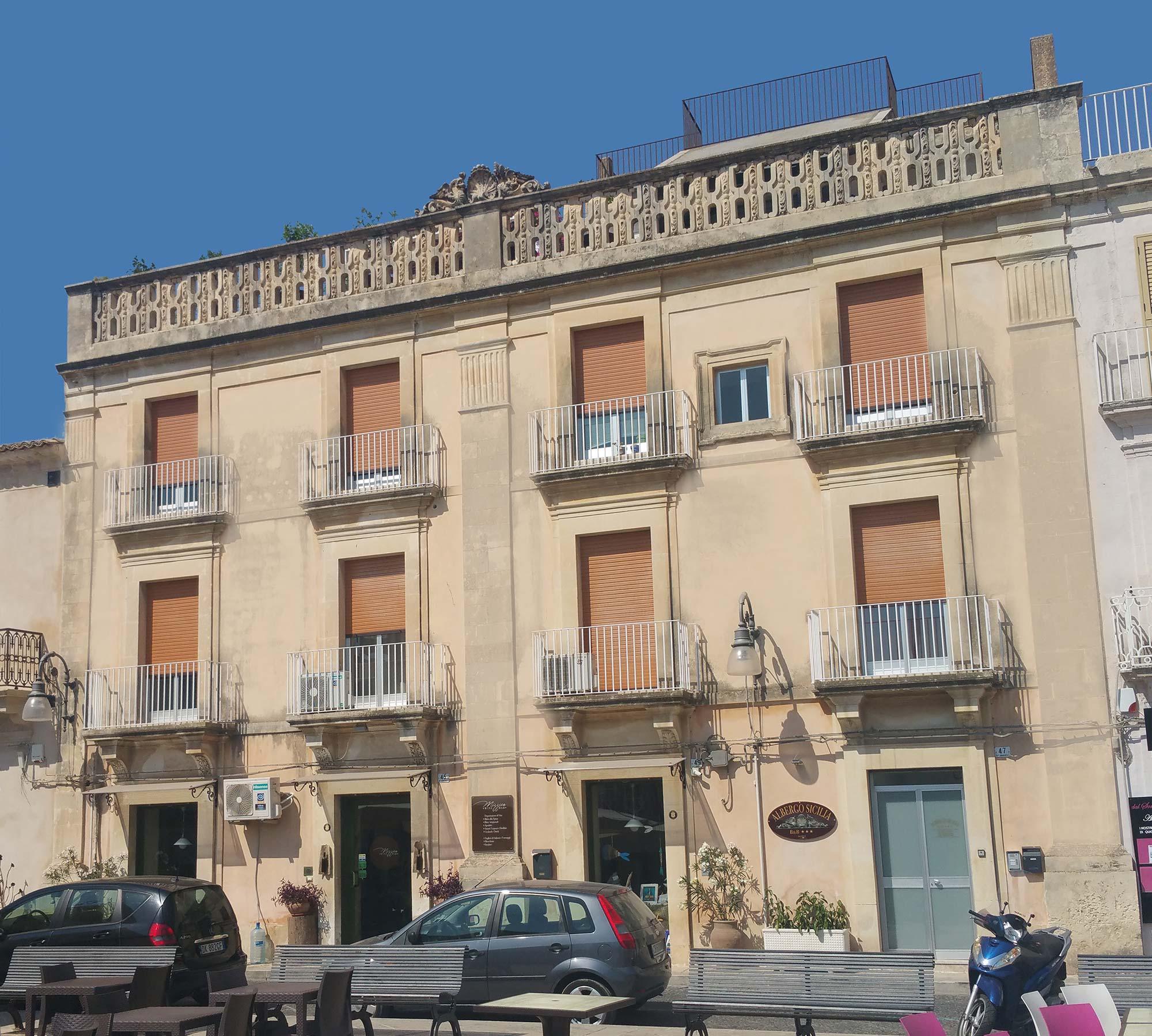 Hotel_Sicilia_Avola_B&B_Avola_Albergo_Sicilia_Piazza_centro_mare_camera_Facciata_nuova