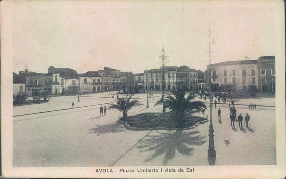 6-piazza-umberto-I-album-del-territorio-Avola