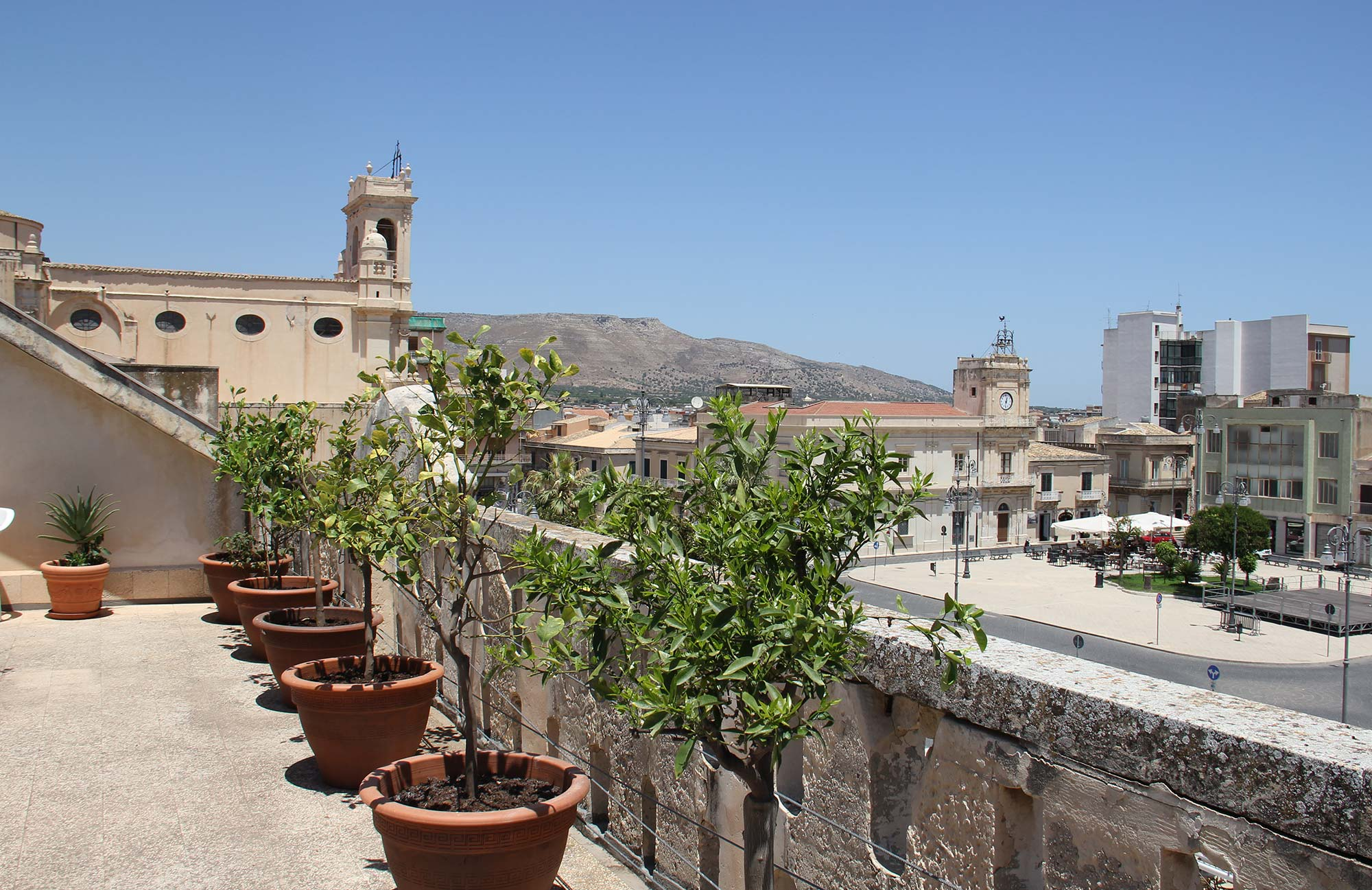 Hotel_Sicilia_Avola_B&B_Avola_Albergo_Sicilia_Piazza_centro_mare_Piazza_terrazza
